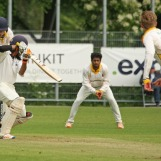 Singh plays through point
