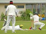 Hafeez dives to safety