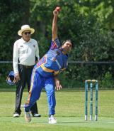 Ahsan Mamood bowling