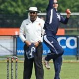 Thijs van Schelven bowling for Quick