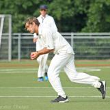Ferdi Vink is caught and bowled by Rippon