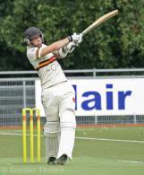 Van Baren pulls for a boundary