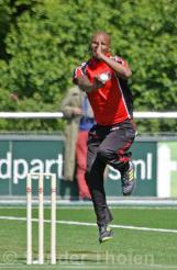 Barends running in to bowl