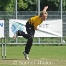 Hidde Overdijk bowling from the Chalet End