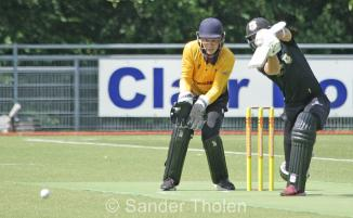 Tobias Visée starts with a fine cover drive