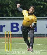 Sohail Bhatti bowling