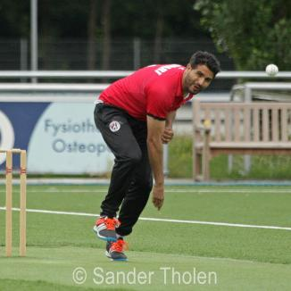 Mudassar Bukhari opening the bowling for Sparta