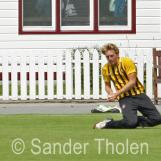 Hidde Overdijk takes a fine catch at the rope to dismiss Parchment
