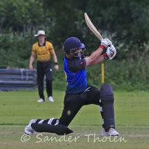 Four over midwicket for Borren