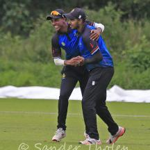 ...but Zamaan Khan holds on to this very difficult catch